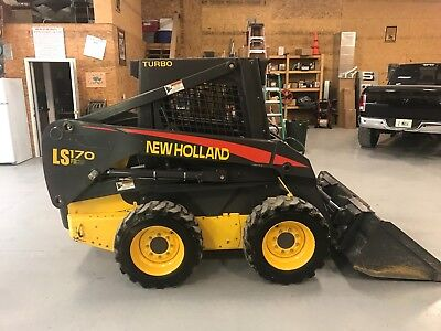 2006 New Holland LS170 skid steer loader, low hours, excellent condition.