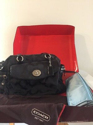 ❤️Coach Signature Black Diaper Travel Bag Satchel Changing Pad Shoulder