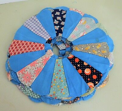 vintage QUILT Blocks Old fabrics DRESDEN PLATE round pieces lot of 20 handsewn