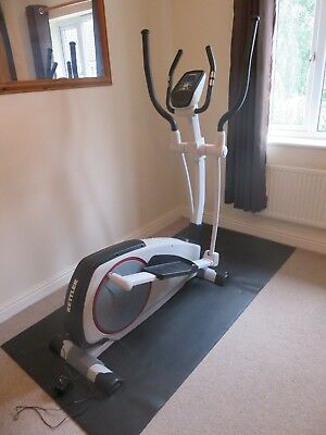 reebok zr8 elliptical crosstrainer picclick uk. Black Bedroom Furniture Sets. Home Design Ideas