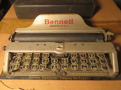 Antique Bennett portable typewriter    look!
