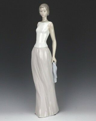 """Retired LLADRO Spain Cocktail Party 6655 Lady Dress Porcelain 16"""" Figurine MIF"""