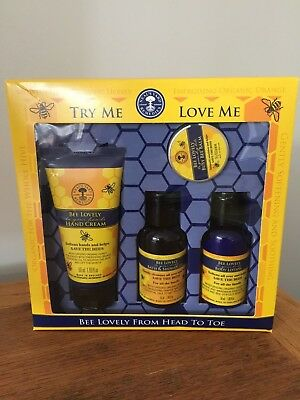 Neal's Yard Remedies Bee Lovely Head to Toe Gift Set