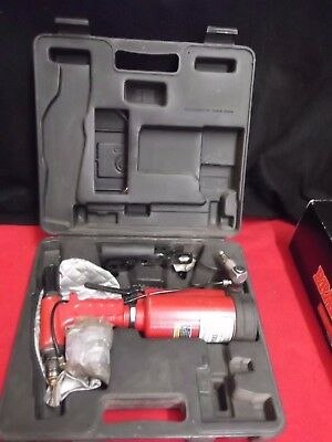 Chicago Pneumatic CP883 Air-Hydraulic Riveter 3/16""