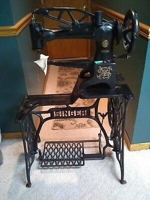Industrial Singer 29-4 leather/cobbler/patcher sewing machine