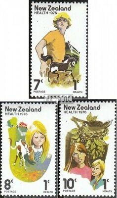 New Zealand 691-693 (complete issue) unmounted mint / never hinged 1976 Health