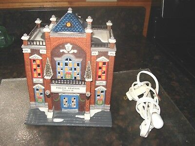 """Dept. 56  Christmas In The City Series """"Precinct 25 Police Station"""" No Box"""