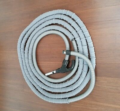 ducted vacuum cleaner hose with sock