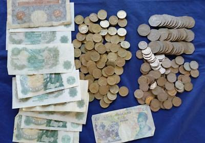 146 British Pounds Old/New Coins & Paper 100-20p/40-50p/100-1 pd coins 16 notes