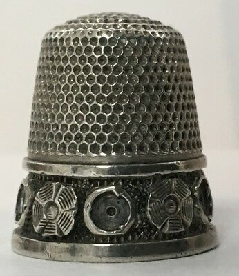 Untermeyer-Robbins Silver Thimble - Abstract Rosettes - c1890s - Size 10