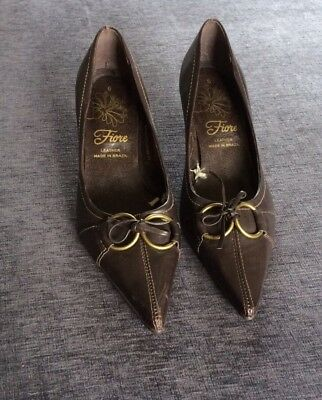 VINTAGE FIORE BROWN LEATHER POINTED COURT SHOES  Size  39