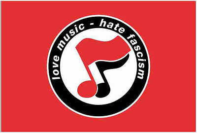 Love Music Hate Fascism Flagge