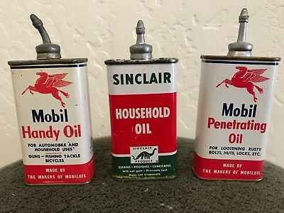 Vintage 3s-Mobil Oil and Sinclair Oil in the Handy Oiler cans.