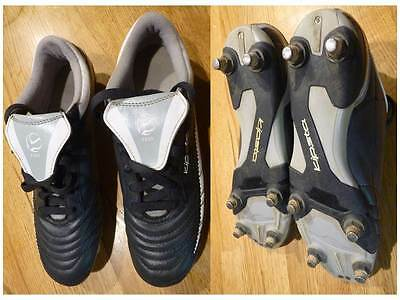Chaussures rugby KIPSTA 300, 8 crampons métalliques, Taille 39, TBE