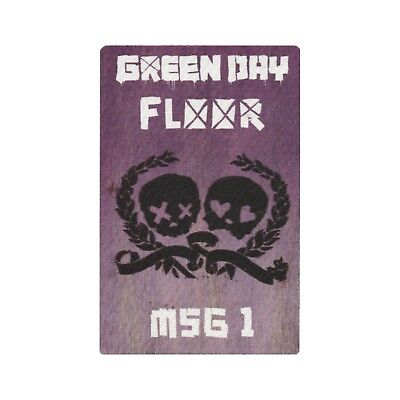Green Day authentic 2009 21st Century Breakdown Tour satin Backstage Pass MSG