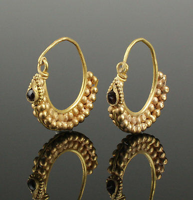 ANCIENT ROMAN GOLD CRESCENT EARRINGS - CIRCA 1st-3rd CENTURY AD