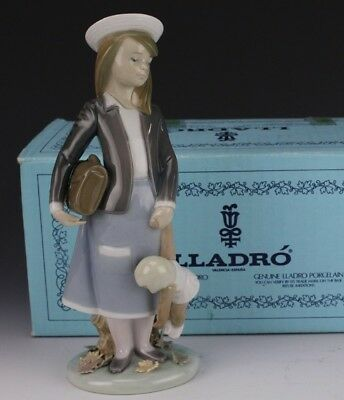 Retired LLADRO Spain Autumn 5218 Young Girl With Doll Porcelain Figurine NR KNH