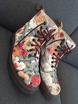 Dr Martens Pascal 8 Hole Boots Size 9 Womens