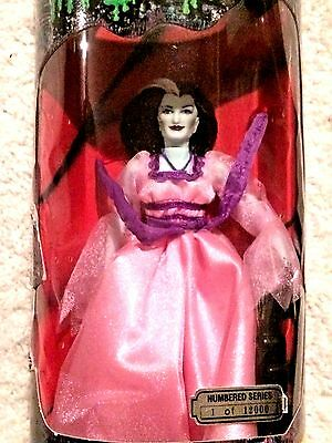 New NIP The Munsters Doll Figure Lily Munster Yvonne DeCarlo Limited Edition