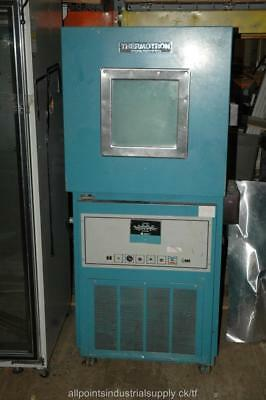 Thermotron Laboratory Environmental Temperature Test Chamber Mini-Max S-4