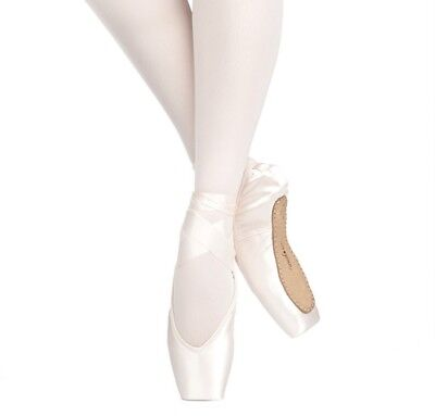 Russian Pointe Rubin V-Cut Pointe Shoes (Without Drawstring) - New in Box