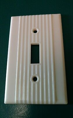 Vintage Leviton Bakelite Ribbed Electrical Outlet Plate Wall Cover Ivory