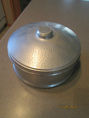 Vintage SOLARETTE Hammered Aluminun Round Candy, Cookie,Trinket Container