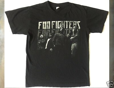 FOO FIGHTERS 2011 Size Small Black T-Shirt