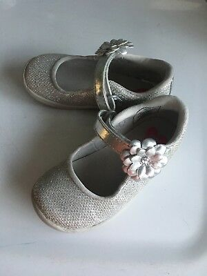 Stride Rite Toddler Girls Size 7 Silver Mary Jane Shoes