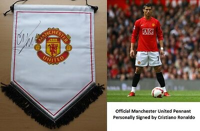 Official Manchester United Pennant Signed by Cristiano Ronaldo - RARE (11301)