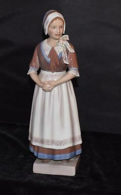 "Dahl Jensen / Royal Copenhagen Figurine-""GIRL FROM HEDEBO"" #1142 -Mint"