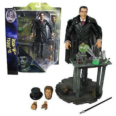 """Diamond Select Universal Monsters """" Dr Jekyll and Mr Hyde """" Figure w/Accessories"""