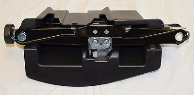 Genuine Audi A4 / A4 Allroad A5 S5 2008-2017 Jack Lift Tool  Housing 8K9813685