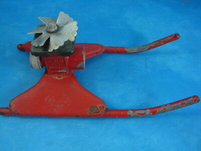 VTG Red Proen All Cast Metal Square Spray Lawn Sprinkler Gets All Corners