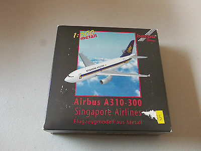 Herpa Wings    500937 Singapore Airlines A310 - 300  Version 1