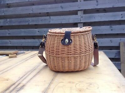 Trout Fly Fishing Wicker Creel Basket with Strap