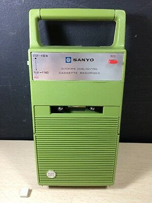 Vintage Sanyo Portable Cassette Player Japan Green M-148GA Solid State