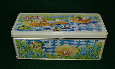 Vtg Cadbury Fingers Hindged Tin/made In England - Picnic Basket