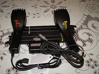 Scalextric Micro Track plus 2 Controllers