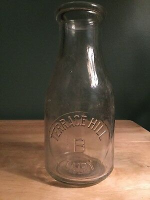 TERRACE HILL DAIRY Bottle - Brantford, ON