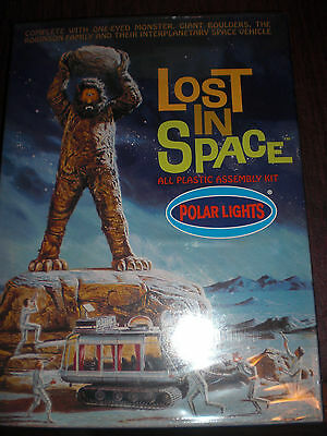Lost In Space - Playing Mantis - 1998 - Polar Lights Assembly Kit - Cyclops- New