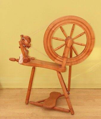 Haldane Lewis Spinning wheel Delivery possible Make your own yarn Wood Prop