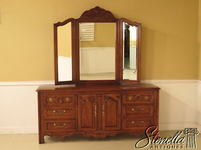 37957: THOMASVILLE Country French Triple Dresser w. Trifold Mirror