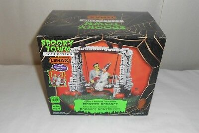 LEMAX Spooky Town Halloween Monster Romance Swing