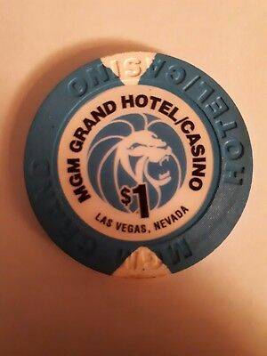 Mom Grand Hotel And Casino - Paris -$1 One Dollar Gaming Chip