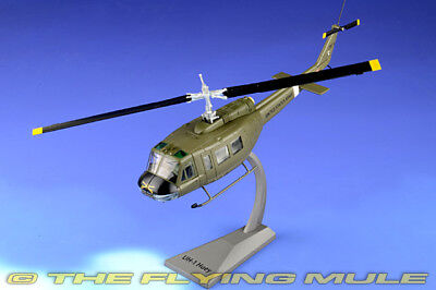 1:48 UH-1H Huey #17573 US Army 101st Airborne Div, 17th Cavalry