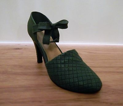 Just The Right Shoe by Raine - Sumptuous Quilt - 25013 - collectable shoes