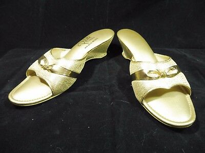 Vintage Gold Lamé Open-Toe Wedge Mule Mid-Century Pin-up Petite Slippers Size 9