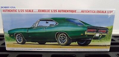 MPC 878   1/25 1969 Dodge Country Charger R/T Kit  MCP878