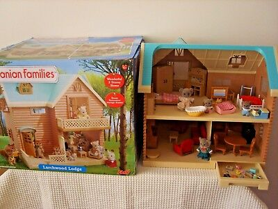 sylvanian families  boxed larchwood lodge house,furnished,figures